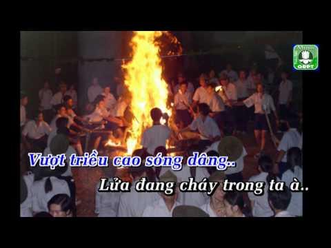 Ngồi quanh lửa Karaoke -