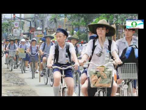 Đoàn Áo Lam -